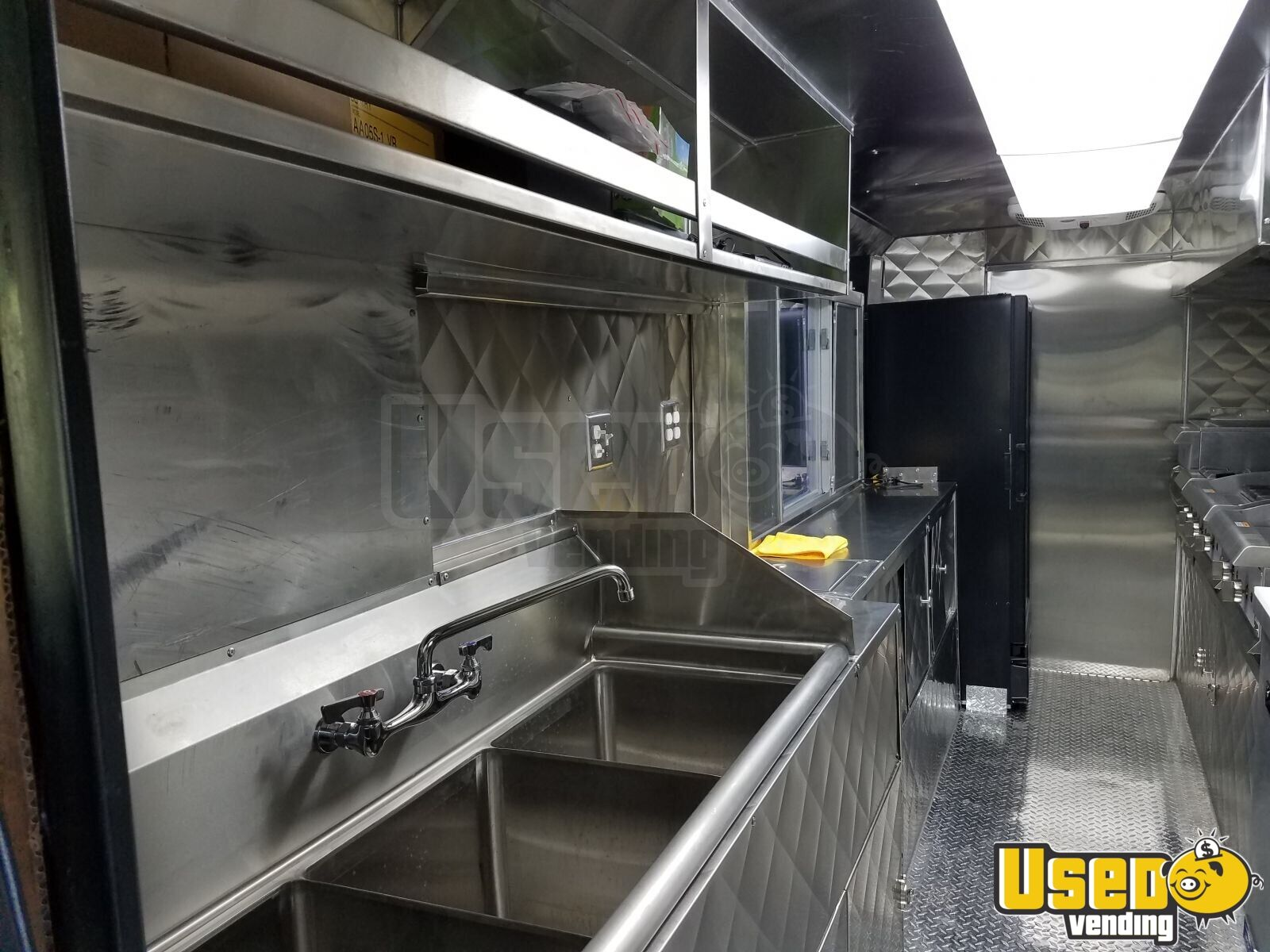 2000 Chevrolet Workhorse P32 All-purpose Food Truck Stainless Steel Wall Covers Texas Diesel Engine for Sale - 5