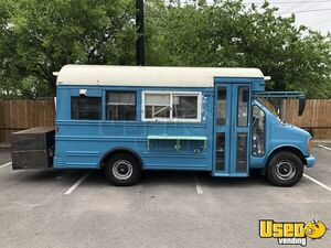 2000 Express 3500 Short Bustaurant Food Truck All-purpose Food Truck Air Conditioning Texas Gas Engine for Sale