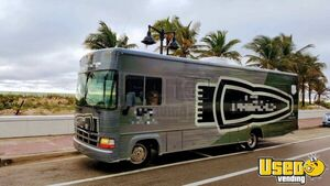 Awesome 32' 2000 Mobile Barbershop Salon Marketing Truck for Sale in Florida!!!