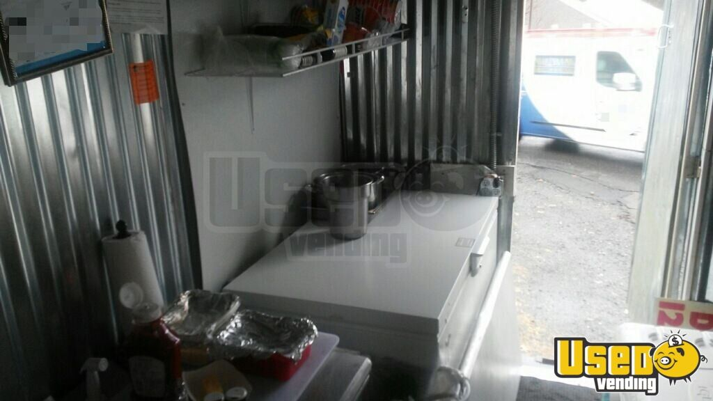 2000 Ford E-350 Pizza Food Truck Deep Freezer Pennsylvania Gas Engine for Sale - 10