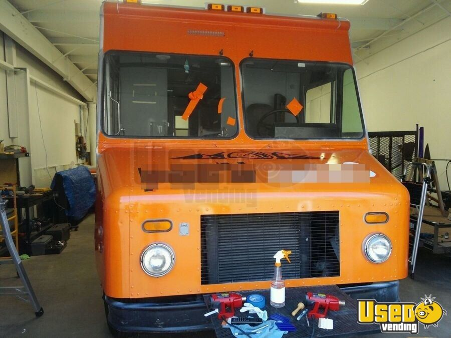 2000 Freightliner All-purpose Food Truck Concession Window Colorado Diesel Engine for Sale - 2