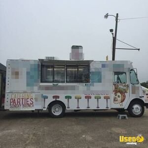 Freightliner Food Truck for Sale in Oklahoma!!!