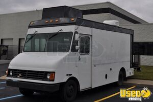 2000 Mt45 Mobile Hair Salon Truck Air Conditioning Michigan Diesel Engine for Sale