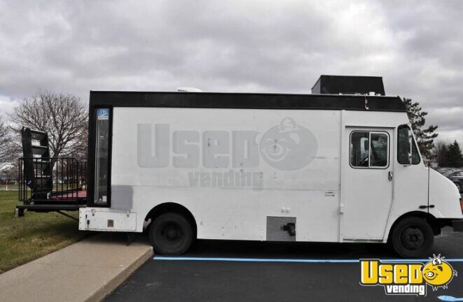 2000 Mt45 Mobile Hair Salon Truck Shore Power Cord Michigan Diesel Engine for Sale - 5