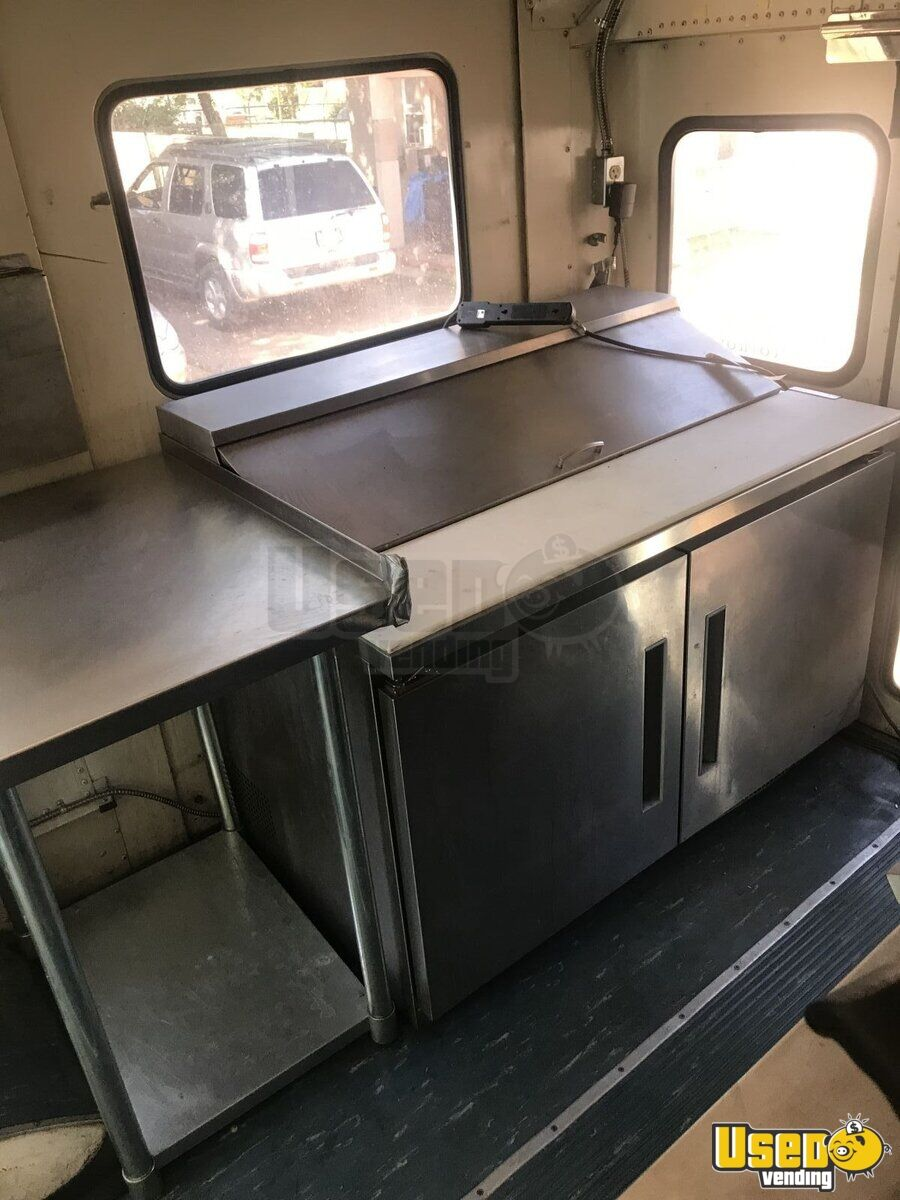 2000 Private Electrician And Carpenter All-purpose Food Truck Prep Station Cooler Colorado Diesel Engine for Sale - 10
