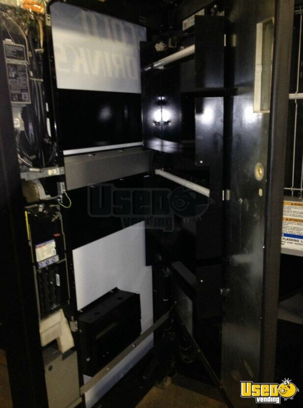 2000 Refurbished Soda Vending Machine 6 Illinois for Sale - 6