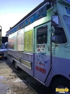2000 Step Van Kitchen Food Truck All-purpose Food Truck New York for Sale