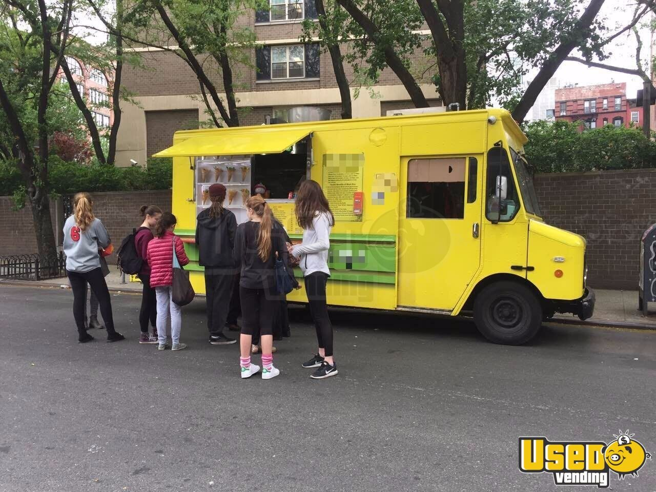 2000 Workhorse All-purpose Food Truck Concession Window New York for Sale - 2