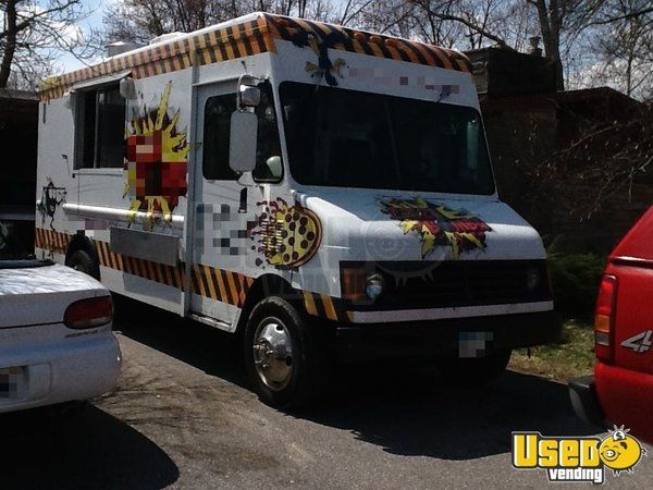 2000 Workhourse P40 Pizza Food Truck Stainless Steel Wall Covers Indiana Diesel Engine for Sale