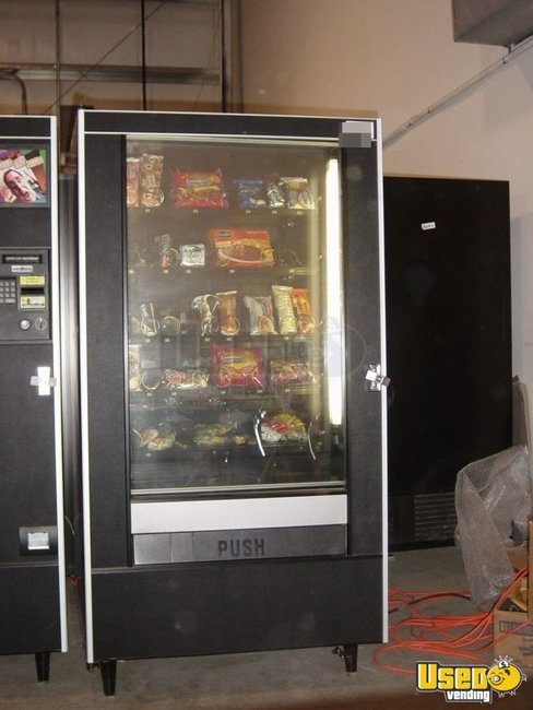 2001 Ap 320 Automatic Products Snack Machine Massachusetts for Sale