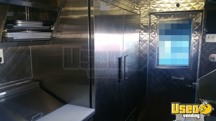 2001 Chevy P30 Food Truck Insulated Walls California Diesel Engine for Sale - 6