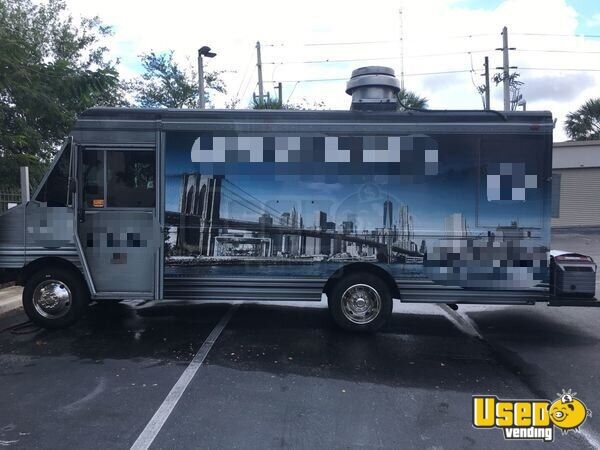 2001 Chevy Workhorse All-purpose Food Truck Florida Gas Engine for Sale