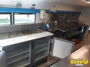 2001 Diesel Built Bus Kitchen Food Truck All-purpose Food Truck Prep Station Cooler Kentucky Diesel Engine for Sale