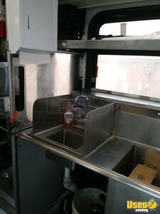 2001 Diesel Bus Kitchen Food Truck All-purpose Food Truck Fire Extinguisher Colorado Diesel Engine for Sale