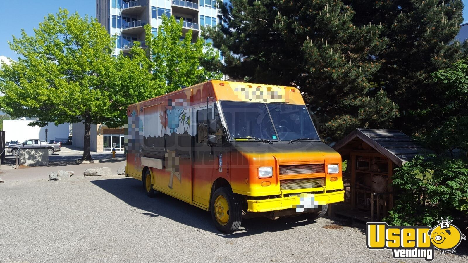 2001 Freightliner All-purpose Food Truck Backup Camera British Columbia Diesel Engine for Sale - 8