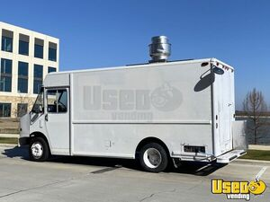 2001 Mt55 Kitchen Food Truck All-purpose Food Truck Awning Texas Diesel Engine for Sale