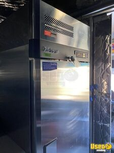 2001 Mt55 Kitchen Food Truck All-purpose Food Truck Breaker Panel Texas Diesel Engine for Sale