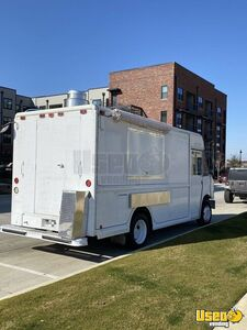2001 Mt55 Kitchen Food Truck All-purpose Food Truck Exterior Customer Counter Texas Diesel Engine for Sale