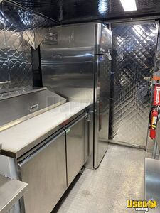 2001 Mt55 Kitchen Food Truck All-purpose Food Truck Exterior Lighting Texas Diesel Engine for Sale