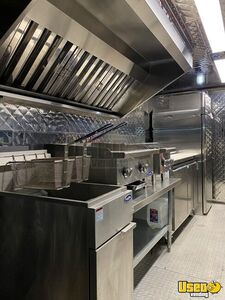 2001 Mt55 Kitchen Food Truck All-purpose Food Truck Flatgrill Texas Diesel Engine for Sale
