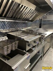 2001 Mt55 Kitchen Food Truck All-purpose Food Truck Prep Station Cooler Texas Diesel Engine for Sale