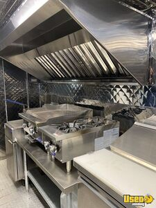 2001 Mt55 Kitchen Food Truck All-purpose Food Truck Stovetop Texas Diesel Engine for Sale