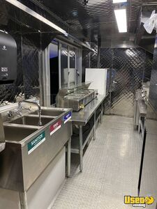 2001 Mt55 Kitchen Food Truck All-purpose Food Truck Transmission - Automatic Texas Diesel Engine for Sale