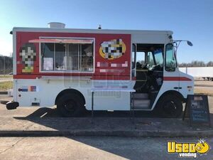 2001 P42 Workhorse Step Van Kitchen Food Truck All-purpose Food Truck Air Conditioning Kentucky Diesel Engine for Sale