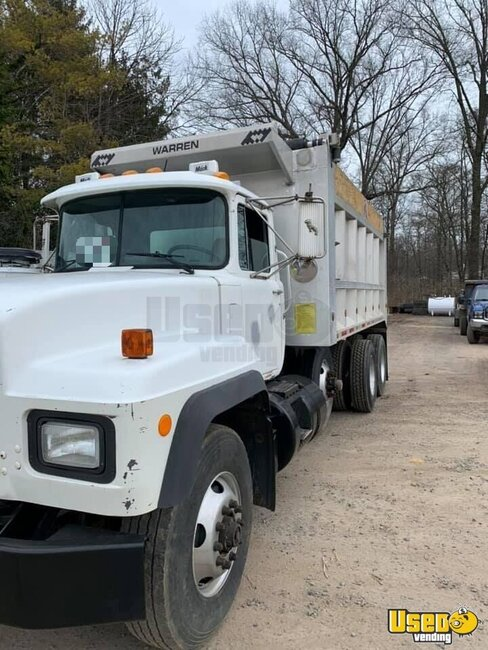 2001 Rd688s Mack Dump Truck 10 Pennsylvania for Sale