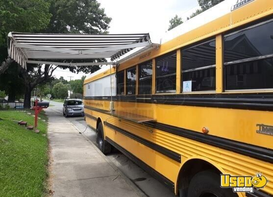 2001 Thomas Built Bus All-purpose Food Truck Concession Window North Carolina Diesel Engine for Sale - 2