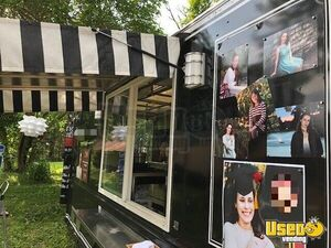 2001 Utilimaster Kitchen Food Truck All-purpose Food Truck Concession Window Ohio Gas Engine for Sale