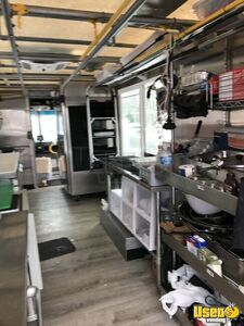 2001 Utilimaster Kitchen Food Truck All-purpose Food Truck Exhaust Hood Ohio Gas Engine for Sale