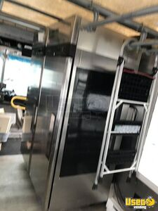 2001 Utilimaster Kitchen Food Truck All-purpose Food Truck Extra Concession Windows Ohio Gas Engine for Sale