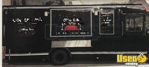 2001 Utilimaster Kitchen Food Truck All-purpose Food Truck Fryer Ohio Gas Engine for Sale