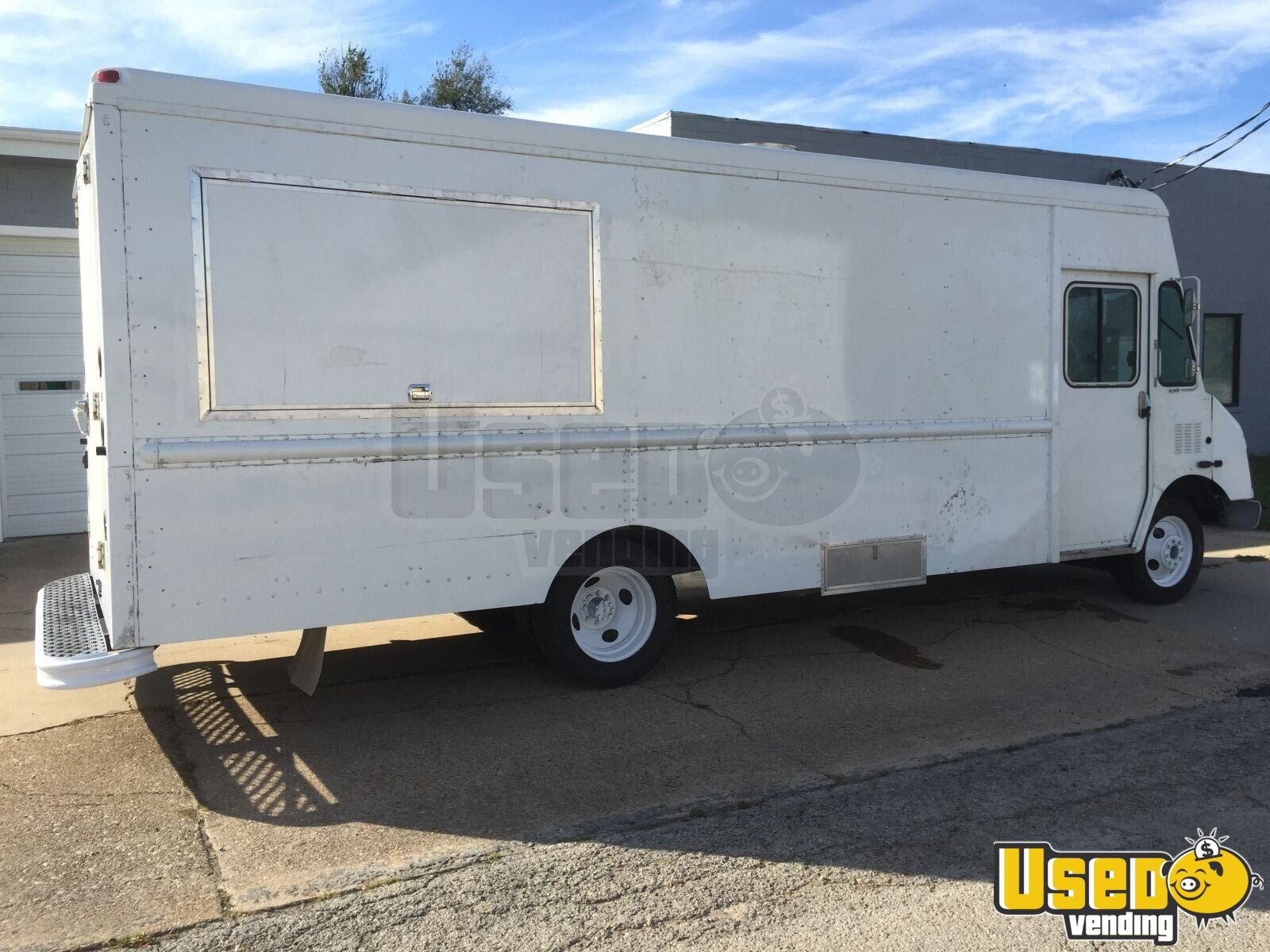 Workhorse Food Truck | mobile kitchen for Sale in Missouri