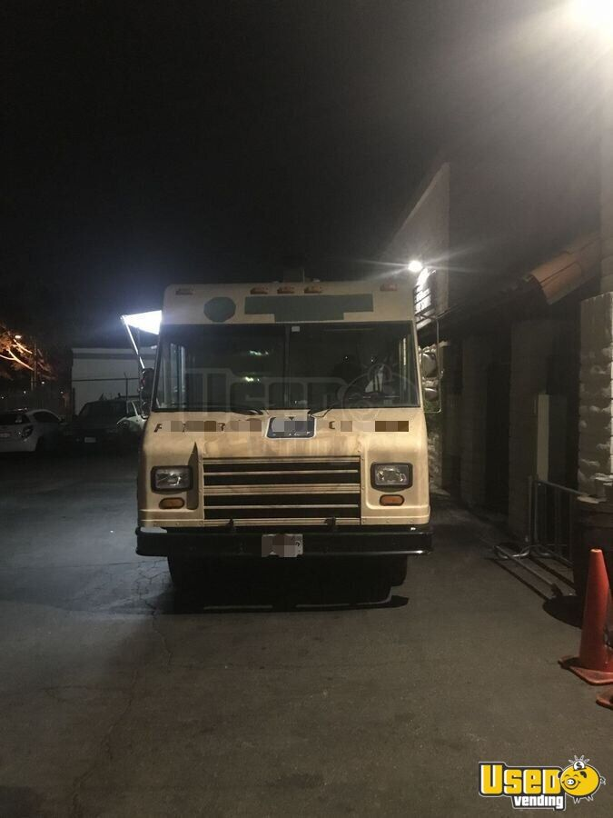 2001 Workhorse P40 Pizza Food Truck Awning California Diesel Engine for Sale - 5
