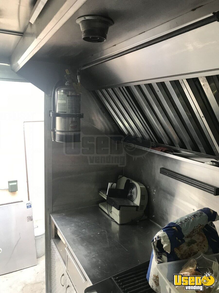 2001 Workhorse P40 Pizza Food Truck Exhaust Fan California Diesel Engine for Sale - 17