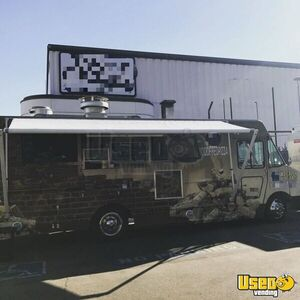 2001 Workhorse P40 Pizza Food Truck Exterior Customer Counter California Diesel Engine for Sale