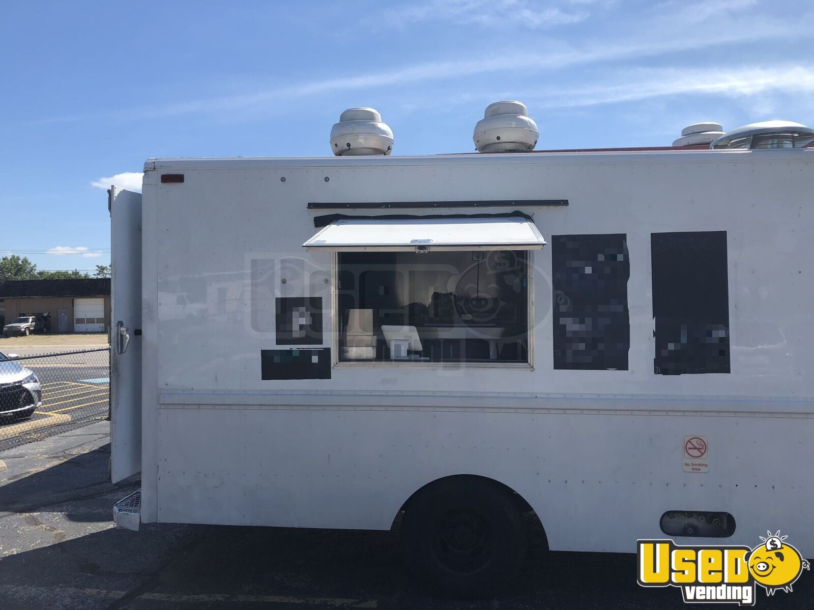 2001 Workhorse P42 All-purpose Food Truck Concession Window Indiana Gas Engine for Sale - 2