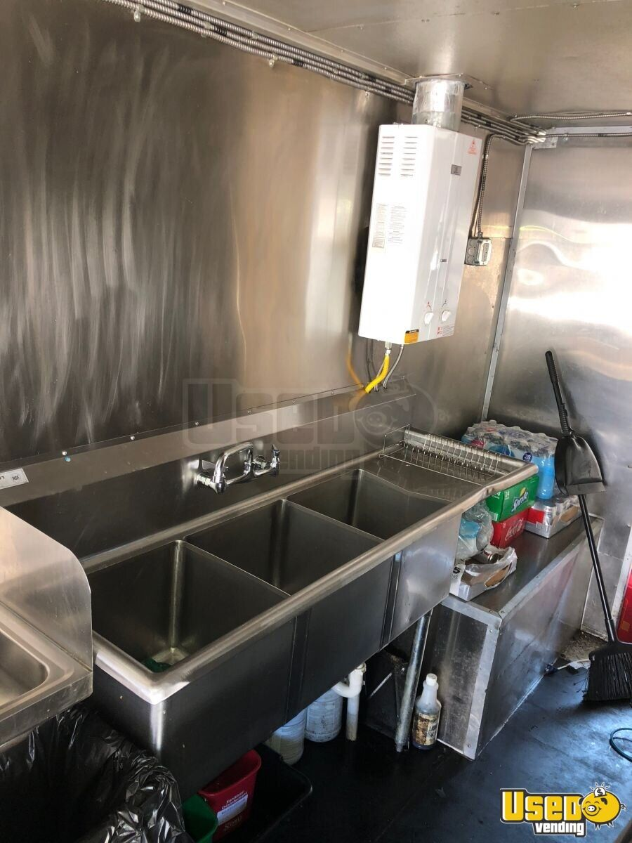 2001 Workhorse P42 All-purpose Food Truck Interior Lighting Indiana Gas Engine for Sale - 21