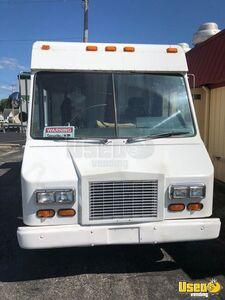 2001 Workhorse P42 All-purpose Food Truck Stainless Steel Wall Covers Indiana Gas Engine for Sale