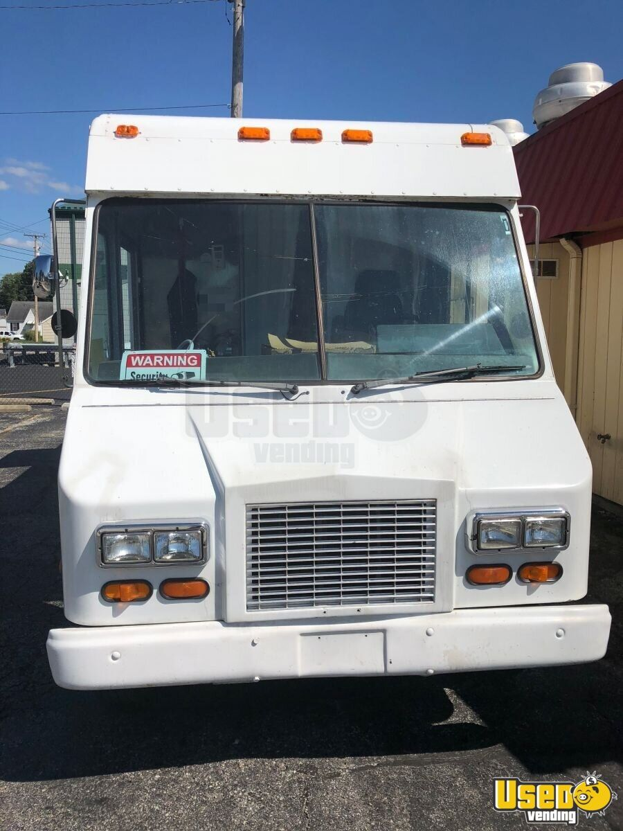 2001 Workhorse P42 All-purpose Food Truck Stainless Steel Wall Covers Indiana Gas Engine for Sale - 3