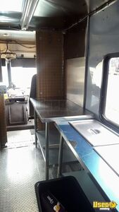 2001 Workhorse P42 Step Van Kitchen Food Truck All-purpose Food Truck Generator Virginia Diesel Engine for Sale