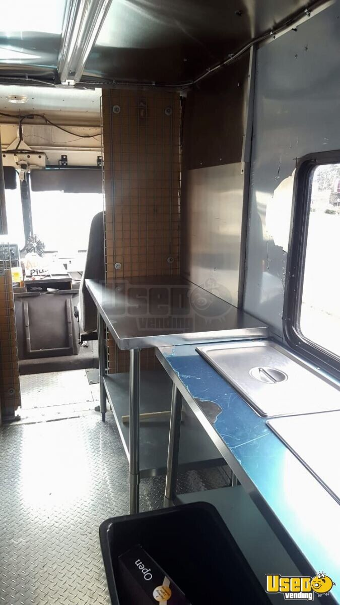 2001 Workhorse P42 Step Van Kitchen Food Truck All-purpose Food Truck Generator Virginia Diesel Engine for Sale - 7