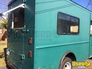 2001 Workhorse P42 Step Van Kitchen Food Truck All-purpose Food Truck Spare Tire Virginia Diesel Engine for Sale