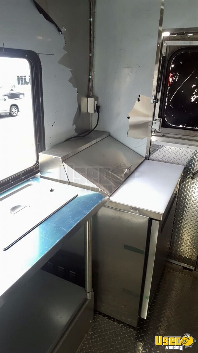 2001 Workhorse P42 Step Van Kitchen Food Truck All-purpose Food Truck Stovetop Virginia Diesel Engine for Sale - 10