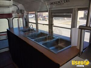 2002 24' School Bus Kitchen Food Truck All-purpose Food Truck Breaker Panel New Mexico Gas Engine for Sale