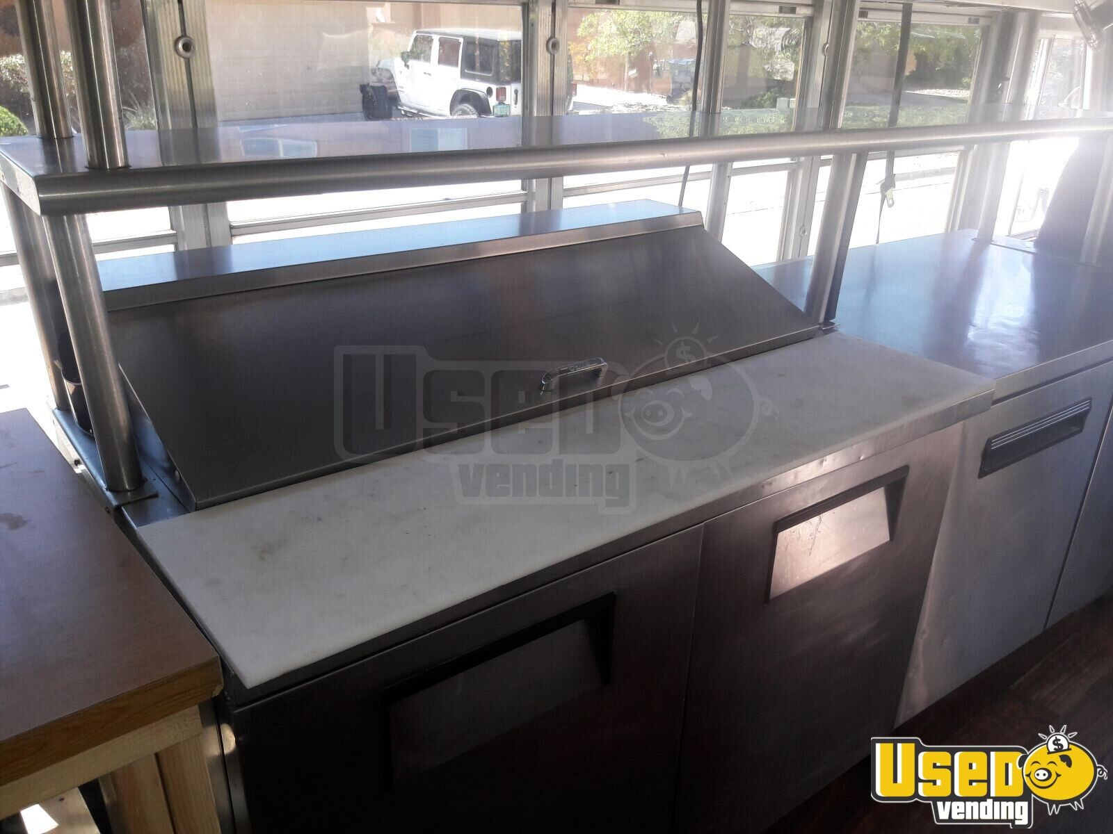 2002 24' School Bus Kitchen Food Truck All-purpose Food Truck Exhaust Hood New Mexico Gas Engine for Sale - 10
