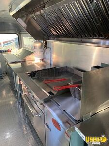 2002 Bus Kitchen Food Truck All-purpose Food Truck Cabinets Texas Diesel Engine for Sale