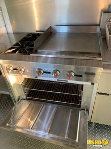 2002 Bus Kitchen Food Truck All-purpose Food Truck Diamond Plated Aluminum Flooring Texas Diesel Engine for Sale
